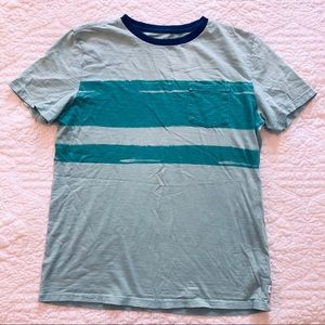 Gap boys tee very good condition size 12-13